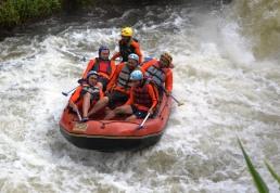 Rafting bersama Outbound di Malang Batu Adventure