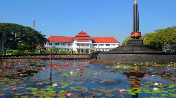 Alun-alun Tugu Malang
